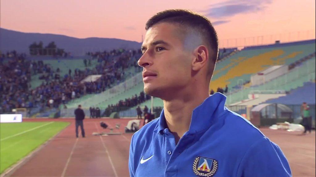 Футболистът Иван Горанов играе на терена като ляв бек и защитник